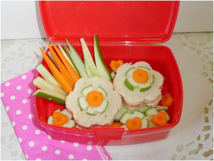 הכנת קופסת אוכל יצירתית ומעניינת לילדים ולמשפחה לנסיעות במכונית